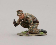 12th SS Hitlerjugend Soldier Crouched Down, Pistol in Hand (with base), single figure