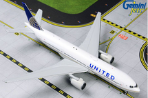 United B777-200ER N796UA Gemini Jets Diecast Display Model