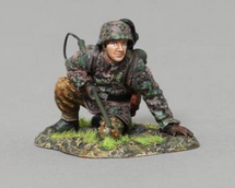 SS Soldier Kneeling with Flamethrower (on base), WWII single figure