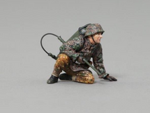 SS Soldier Kneeling with Flamethrower (No Base), WWII single figure