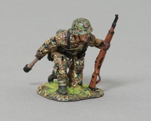 SS Infantry Soldier with Grenade (on base), WWII single figure