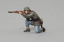 SS Infanteer Kneeling with Rifle (No base), WWII single figure