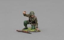 Kneeling SS Gunner with Arm Raised, single figure