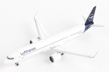 Lufthansa A321neo D-AIEA Gemini Jets Diecast Display Model