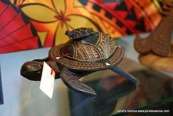 Large Wooden Turtle/Laumei w/MOP CC09