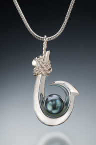 Single Barb (Kauai Style) Tahitian Pearl Pendant in sterling silver