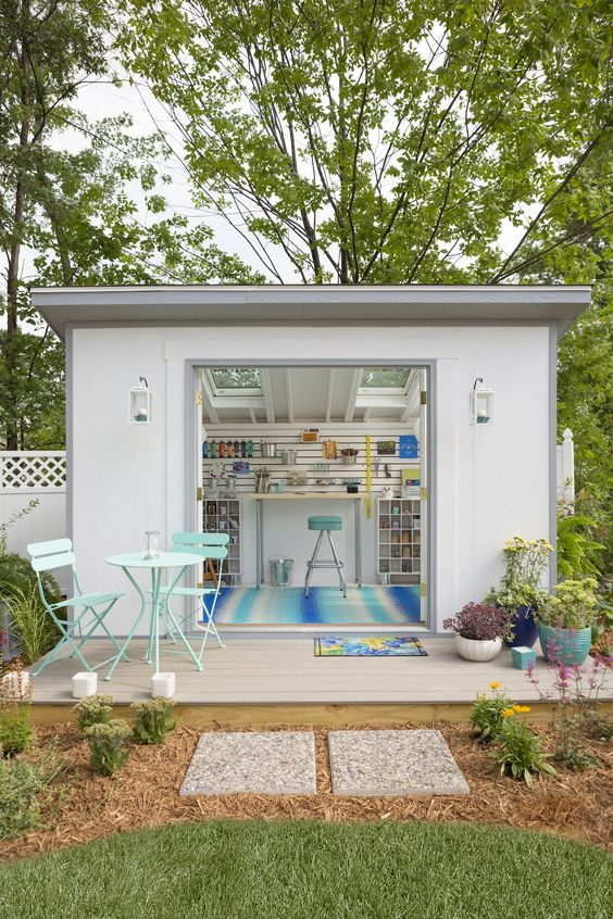 "9 Steps To Decorating A ""She Shed"" Like A Pro"