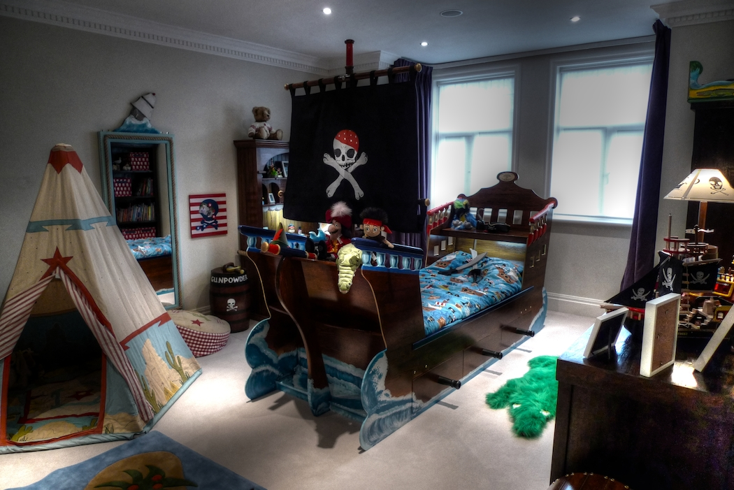 6 Ways To Turn Your Little Boy S Room Into A Pirate Ship