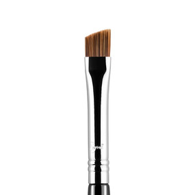 Sigma Beauty E75 - Angled Brow Brush - Chrome
