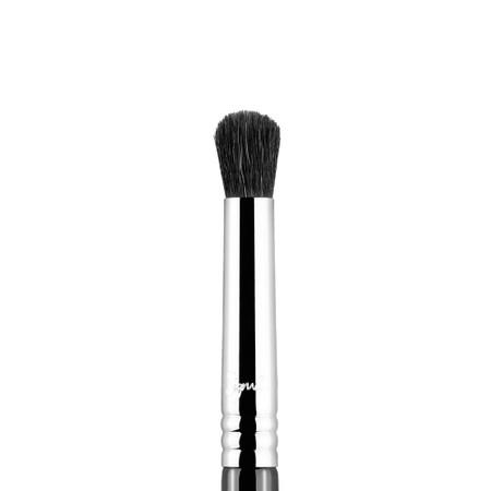 Sigma Beauty E39 - Buff and Blend Brush