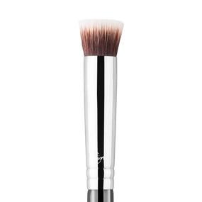 Sigma Beauty P80 - Precision Flat Brush - Chrome