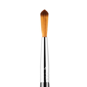 Sigma Beauty F71 - Detail Concealer Brush