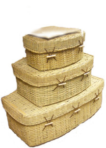Natural woven pet coffins made of biodegradable bamboo, ideal for natural burial