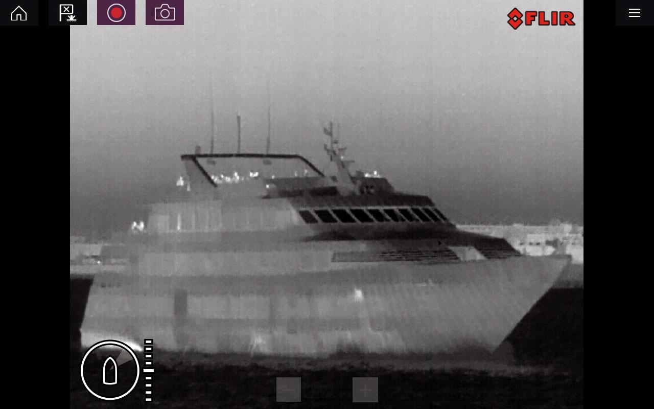 raymarine m100 200 dinner boat screenshot