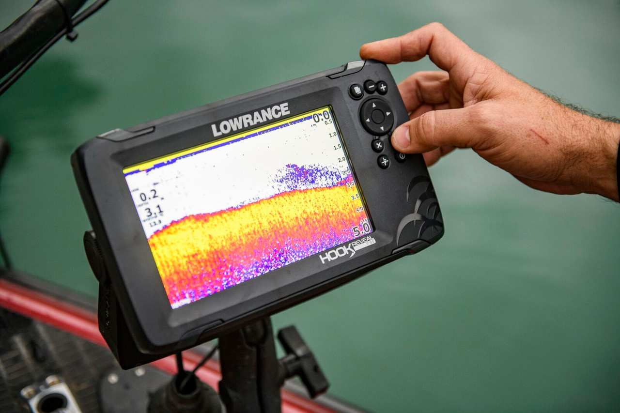 "Lowrance Hook Reveal 5"" With 50/200 HDI Transducer - Incl - .frudes FishReveal and Genesis Live Mapping - Mon GPS Avis.fr"
