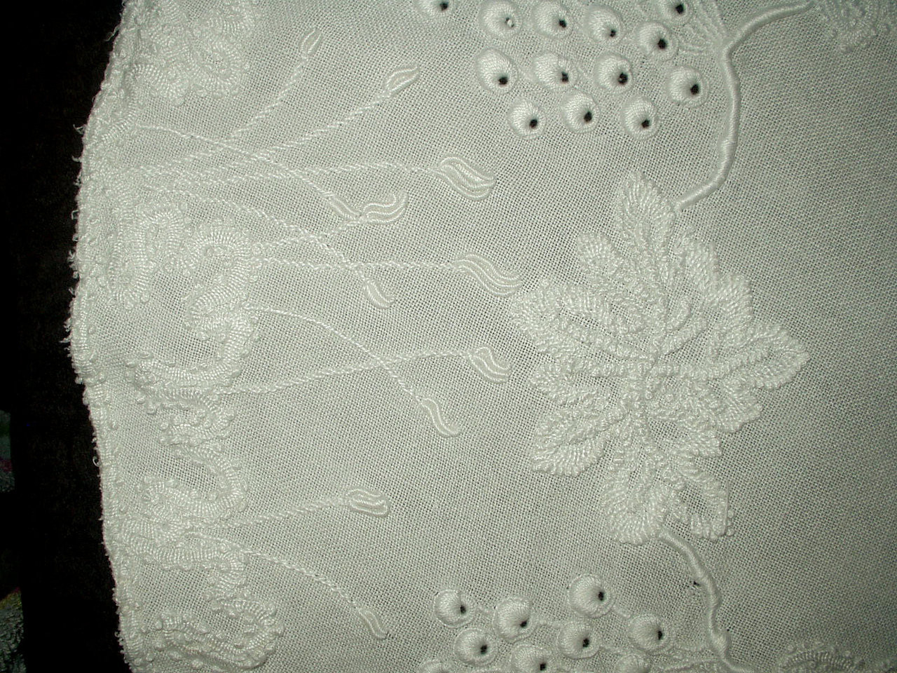 "Victorian Edwardian 27"" Mountmellick Embroidery Table Doily M Monogram"