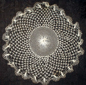Sweet Antique 1900s  Finely Hand Knotted Ecru Table Doily