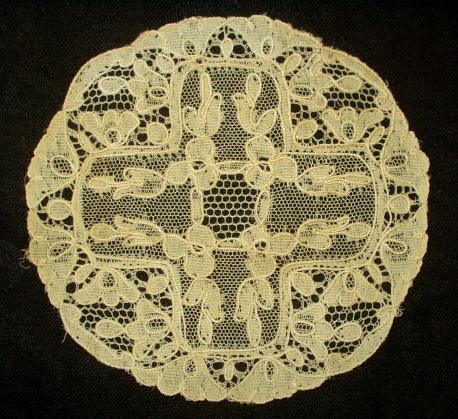 Antique Vintage Machine Alencon Lace Table Doily The