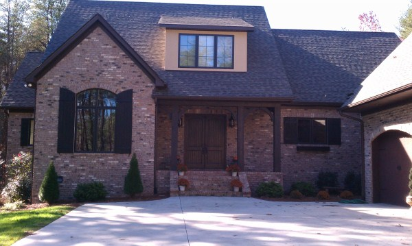 Exterior shutters installation charlotte nc 1 800 939 9271 sc ga va al for Exterior shutter installation cost