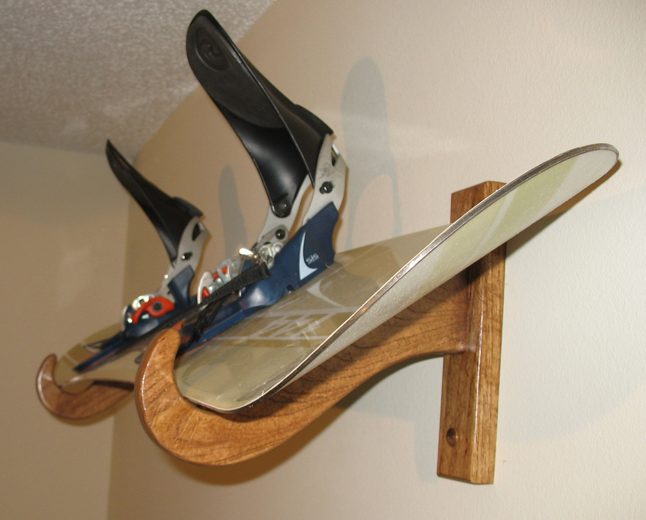 premium snowboard rack single