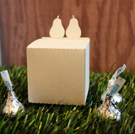 Perfect pear favor box