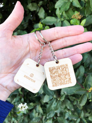 Social Media Keychain - Scannable tech
