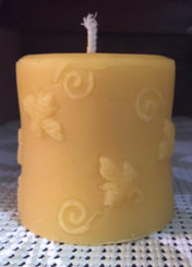 100 %BeesWax Buzzing Bee Cylinder Candle
