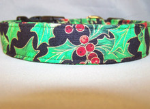 Large Holly Leaves Christmas Dog Collar