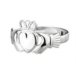 Solvar Maids Standard Claddagh Ring