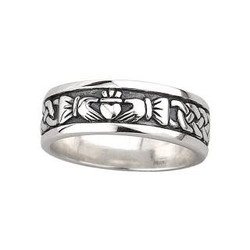 Solvar Men's Claddagh Ring