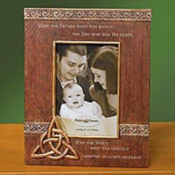 Trinity Knot Picture Frame