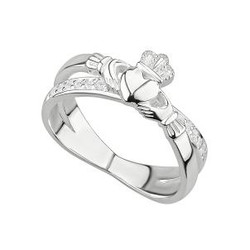S/S CRYSTAL CLADDAGH CROSSOVER RING
