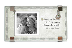 Irish Memorial Glass Frame w/ Claddagh