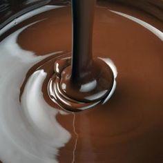 ecuador-bulk-chocolate-melted.jpg