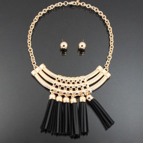 COLOR TASSEL NECKLACE Black