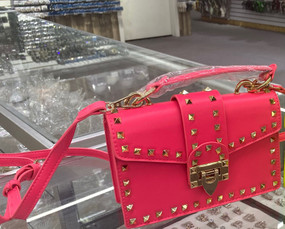 TREASURE CLUTCH Neon Pink