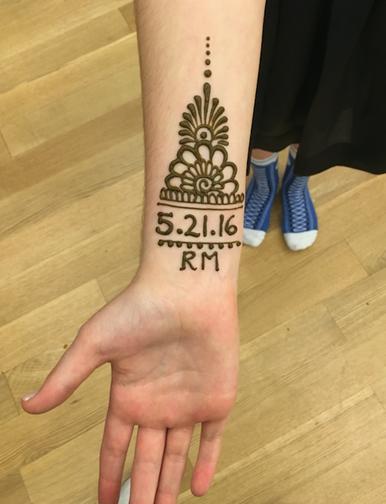 Henna Tattoos - EZBM LLC