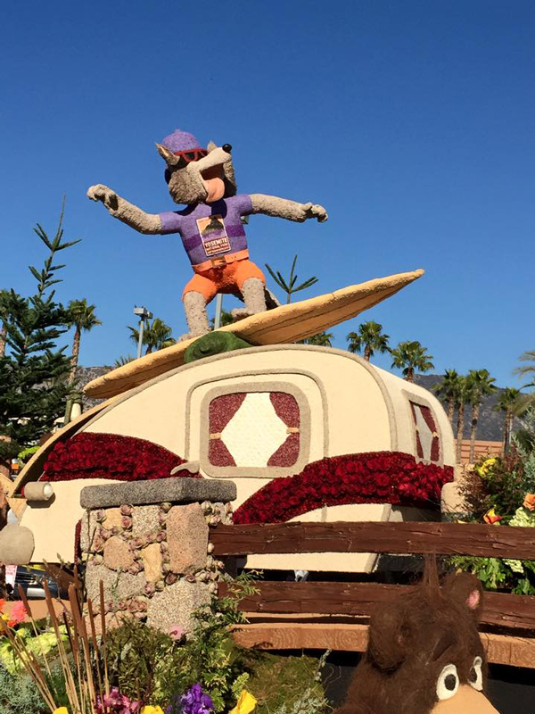 arewethereyet-rose-parade-float-with-flyboy-naturals-rose-petals-5.jpeg