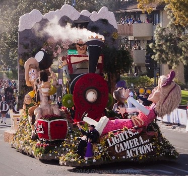 lights.camera.action.-float-with-flyboy-naturals-rose-petals-2014.1rose-parade.1.jpg
