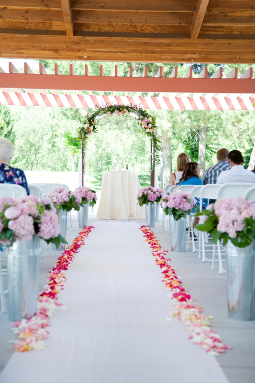 flower petals for wedding petal aisle styles and how to calculate petals needed 4198