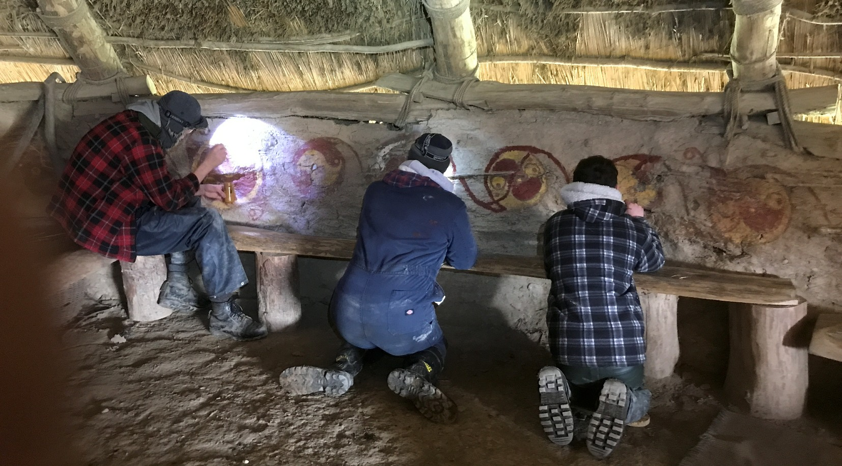 Painting an IronAge Roundhouse with Claypaint
