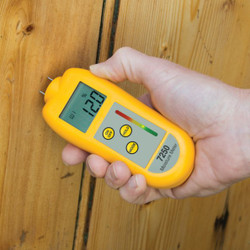 ETI 7250 Moisture Meter being used for measuring moisture in wood