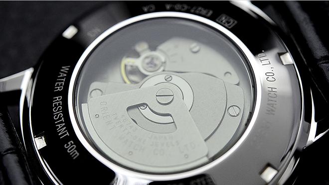 mặt sau Đồng hồ cơ Orient Men's ER27006B Classic Automatic Watch