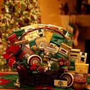 Holiday Gatherings Christmas Gift Basket