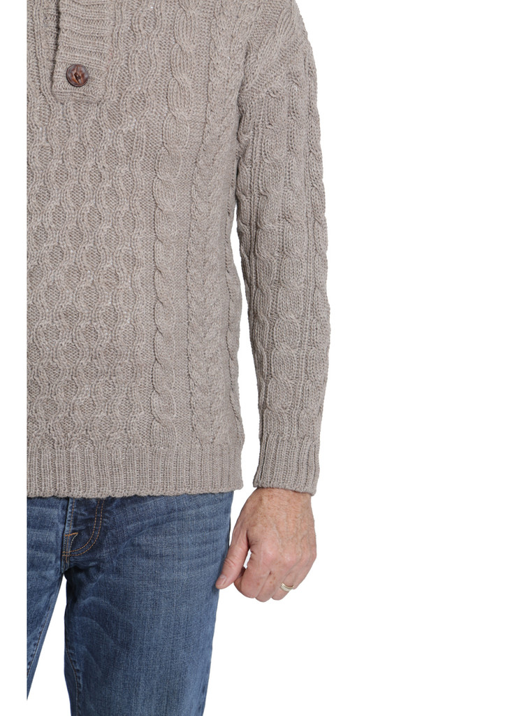 Cable 3-Button Neck Pullover Detail