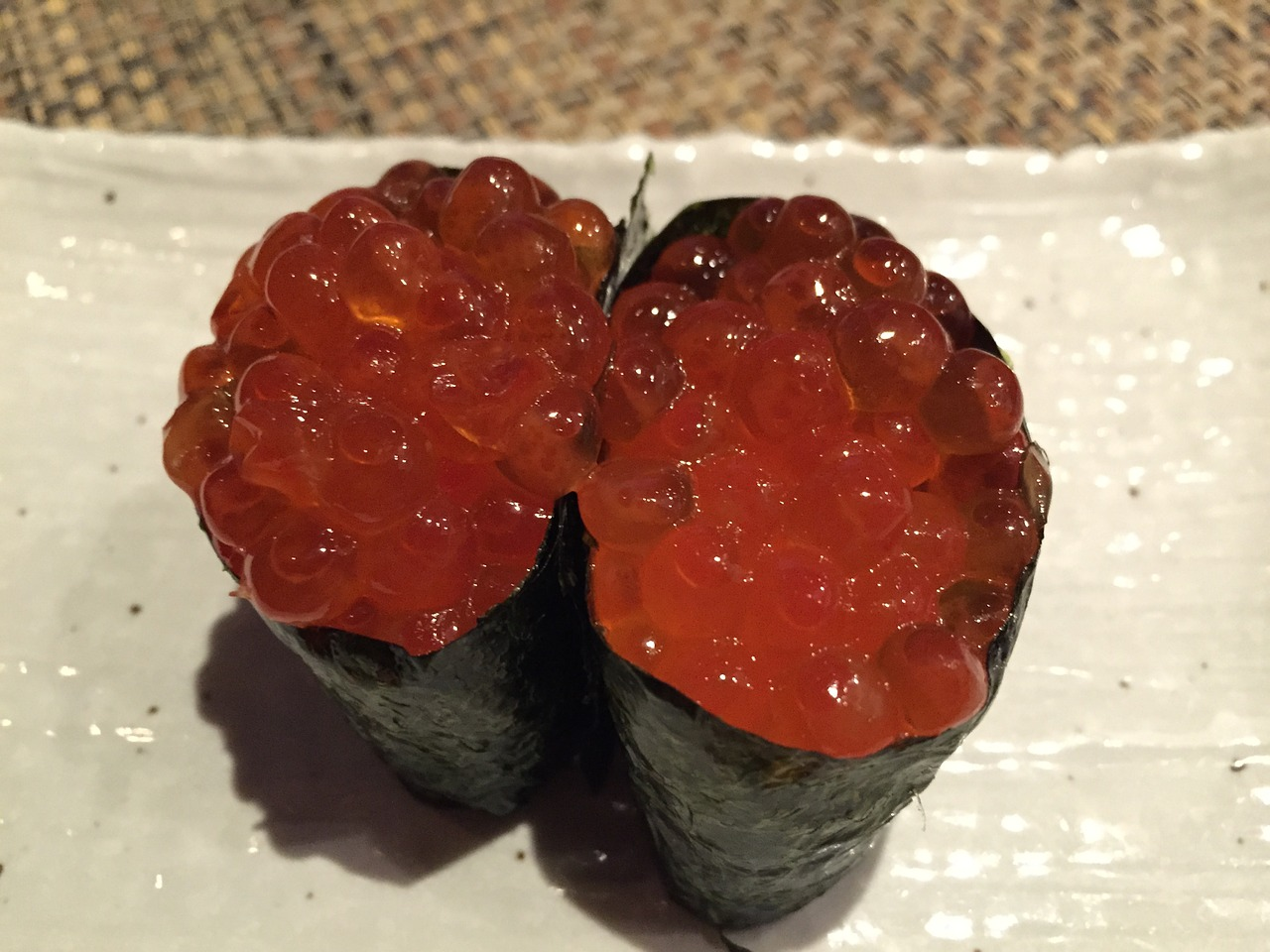 How to Make Salmon Roe Sushi - Wise Choice Market