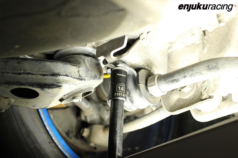 service manual  remove 2004 nissan 350z drive axle
