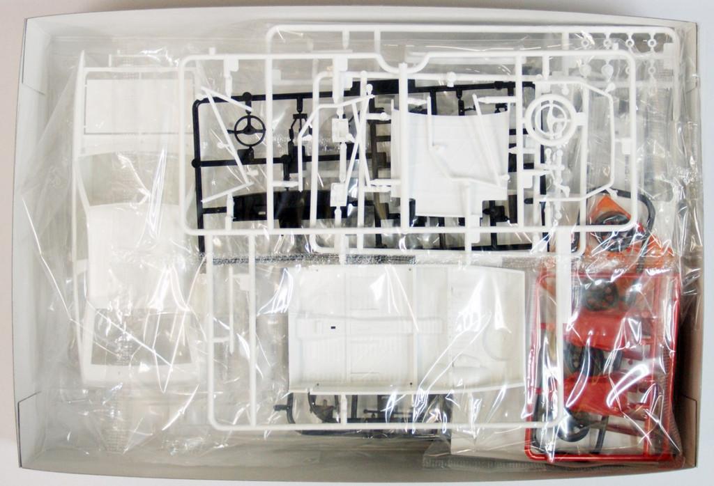 Aoshima 06337 Toyota AE86 Trueno TRD Toyota Racing Development 1/24 Scale Kit