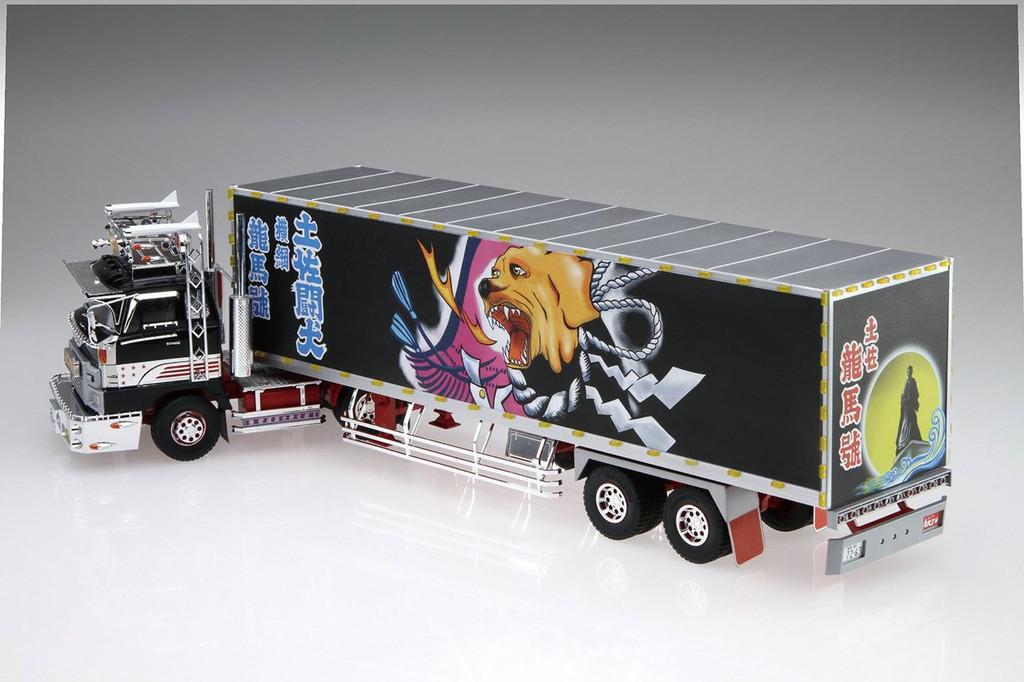 Aoshima 51252 Japanese Decoration Truck Shiina Line Express Ryoma-go 1/32 Scale Kit