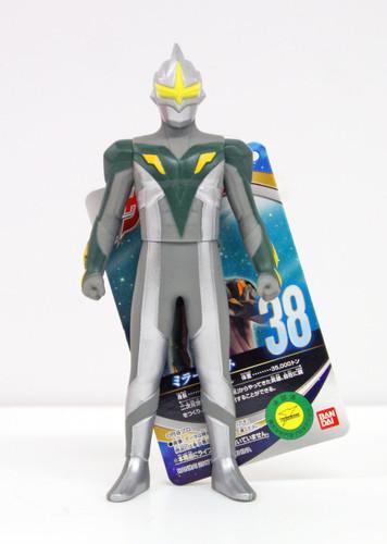 Bandai 117148 Ultraman Ultra Hero Series No.38 Mirror Knight Figure